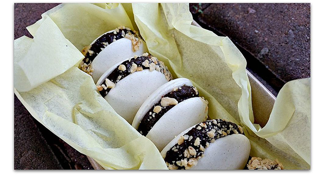 Vegan French Macarons: Snickers Flavor with Caramel & Peanuts